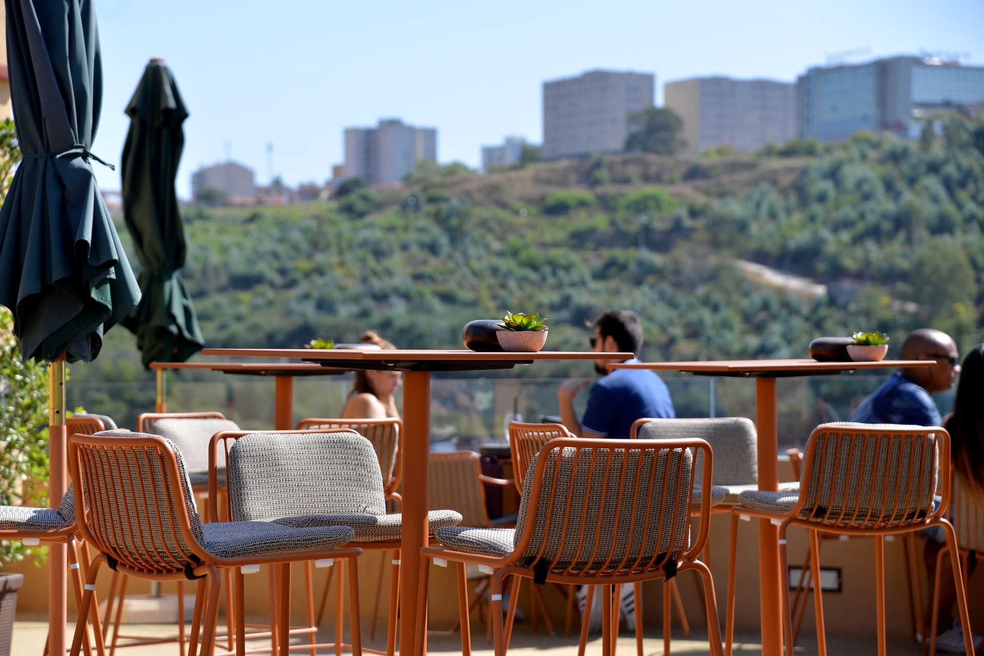Douro Sky Lounge, no Hotel Vincci no Porto